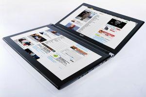 Лаптоп с два дисплея